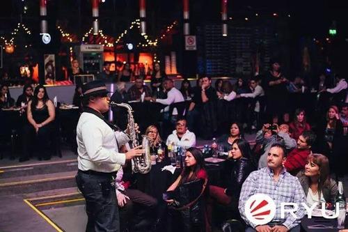 show de saxo para fiestas, clases, asistencias a cantantes