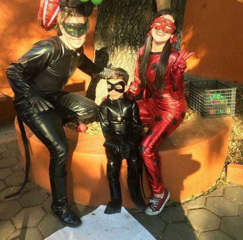 show infantil lady bug y catnoir