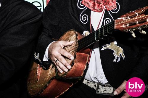 show mariachis mariachi,