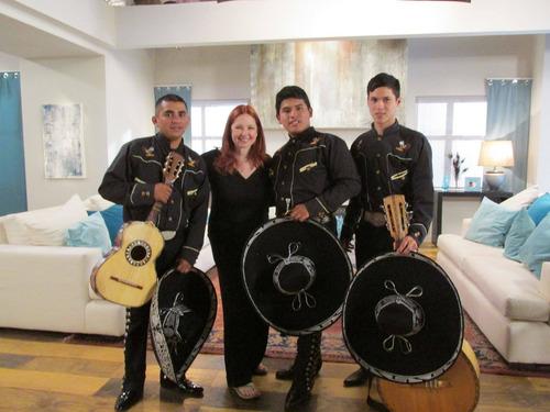 show mariachis serenatas  contratar mariachis a domicilio