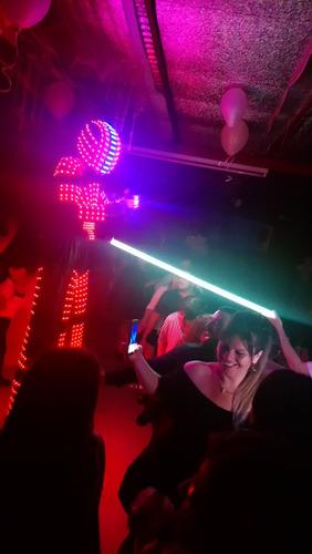 show robot led mr hard! laser-humo-chispas-animación
