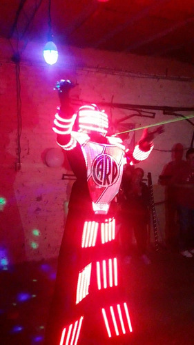 show robot metatron futboleroo