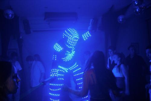 show robot star-man ,fx;co2,2 pistolas láser,animación