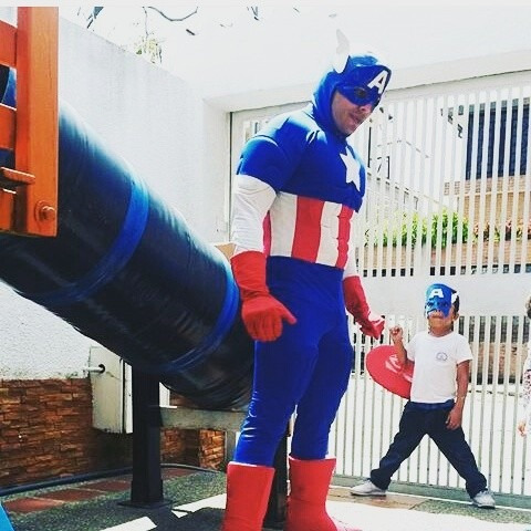 show spiderman avengers hulk iron man  robot led  capitan
