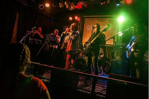 show tributo al rock nacional e internacional t/los tiempos