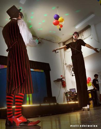 shows-circo-animaciones-kermese-burbujas aceptamos tarjetas