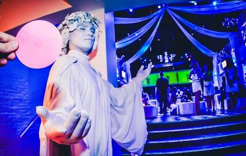 shows estatuas vivientes mimos zanquistas mozo loco y más