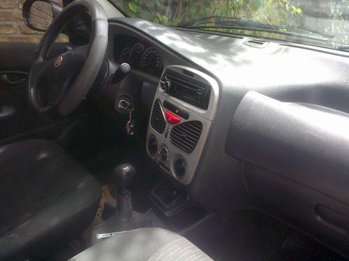siena con licencia taxi en prestamo o ponga su auto
