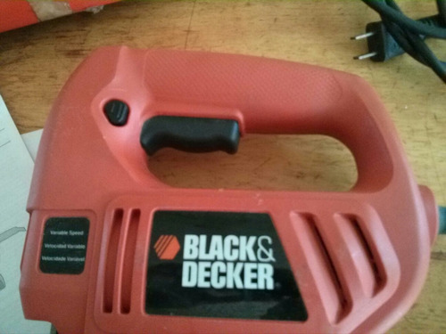 sierra caladora electrica black&decker js200 380w usado