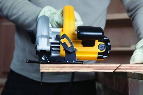 sierra circular 1400w + atornillador 12v+  2 baterías dewalt