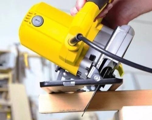 sierra circular 1700w  herramienta stanley