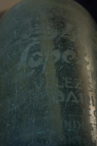 sifon cordobes antiguo con cab. plastica y gatillo de metal