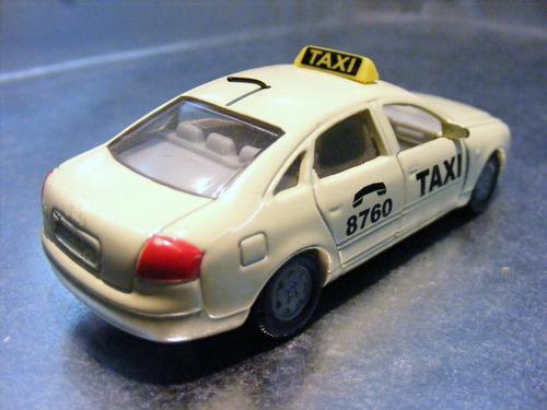 siku - audi a6 1.9 tdi taxi