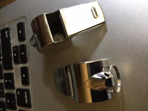 silbato pito para seguridad metalico con cadena 64cm.