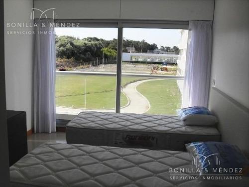 silente, 2 dormitorios en suite, toilette, dependencia de servicio externa, disponible verano 2018