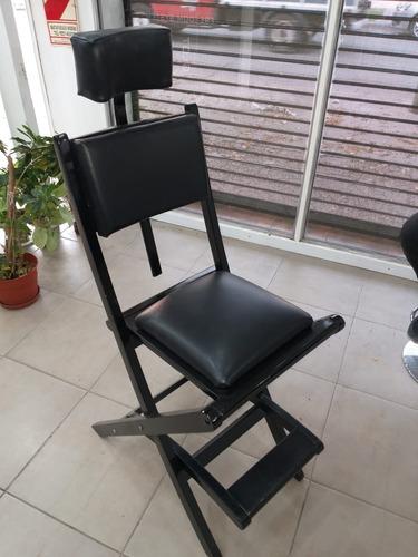 silla con respaldo, tapizado de cuero y apoya cabeza