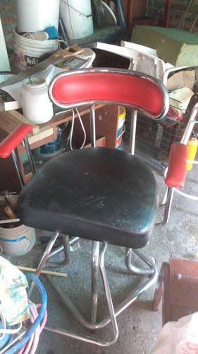 silla de barberia precio 100 porfavor llamar a 3185098331