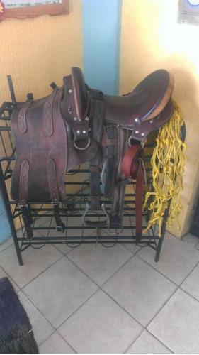 silla de caballo con todo y accesorios