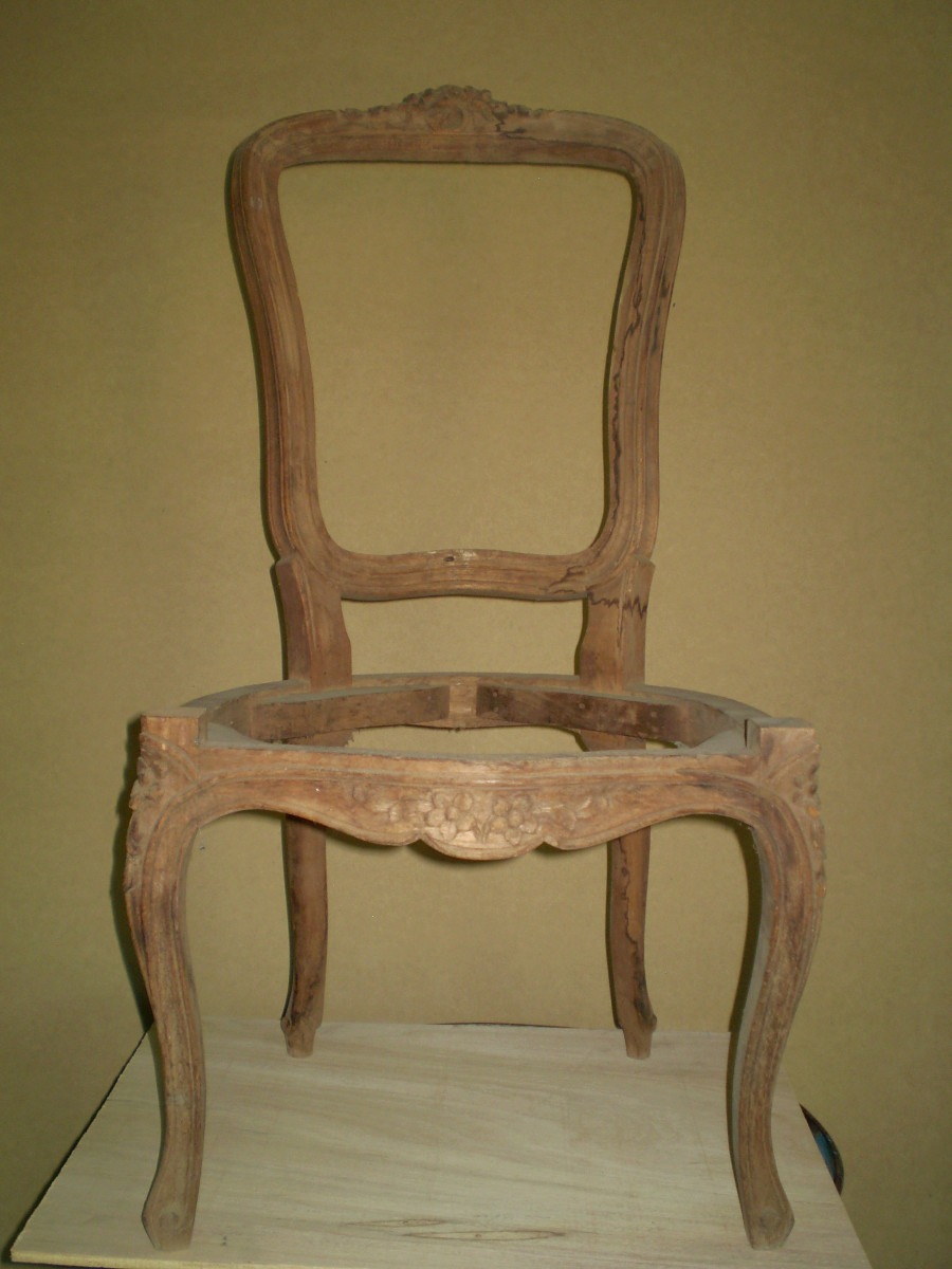Silla de madera tallada estilo luis xv en crudo y en cedro for Sillas de estilo