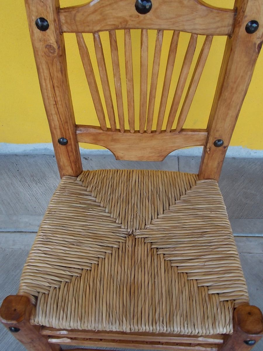 Silla de madera tejida con tule estilo comoda for Sillas de estilo