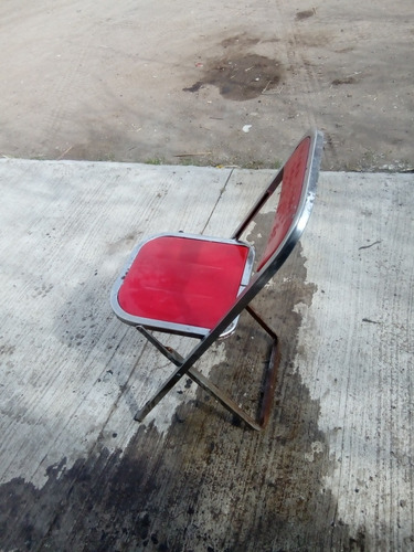silla de metal