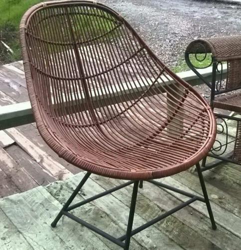 silla de mimbre nido y lengua varitas