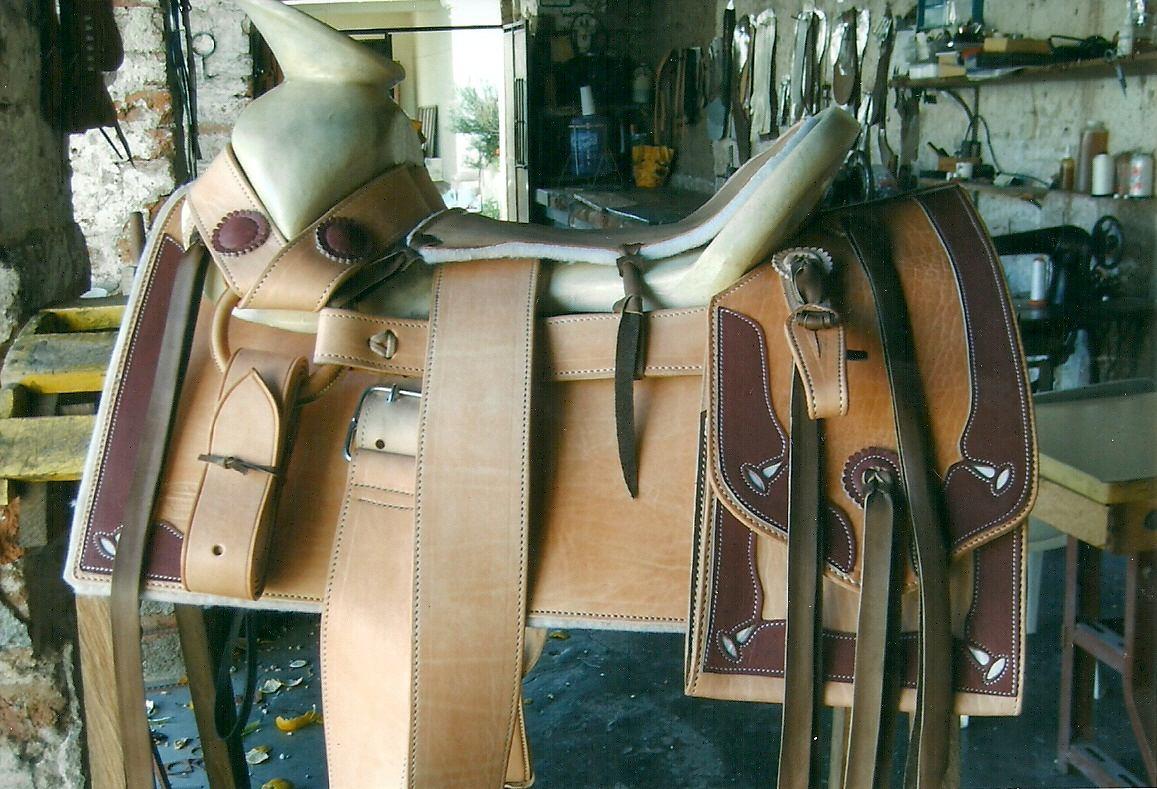 Silla de montar charra cuadrada ribeteada vbf 6 600 for Sillas para montar