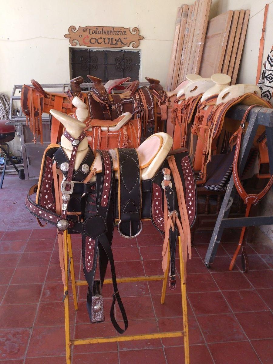 Silla de montar charra redonda ribeteada con herraje vbf for Sillas para montar