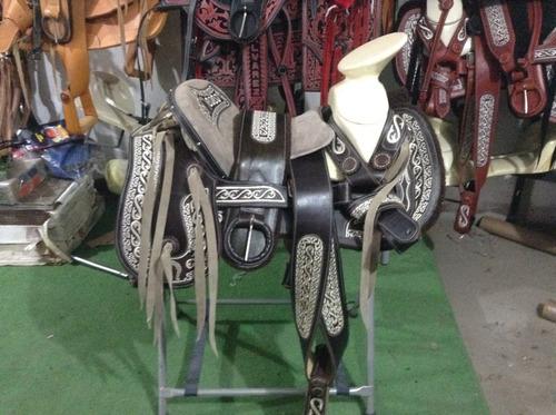 silla de montar  montura charra cola de pato nuevo diseño!!
