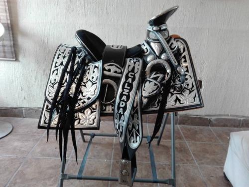 silla de montar, montura charra navajeada con herrajes