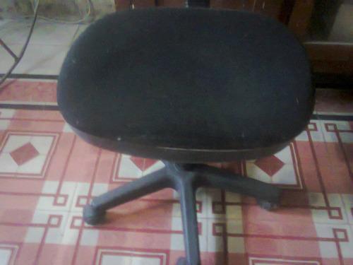 silla de oficina comoda y elegante con sistema neumatico