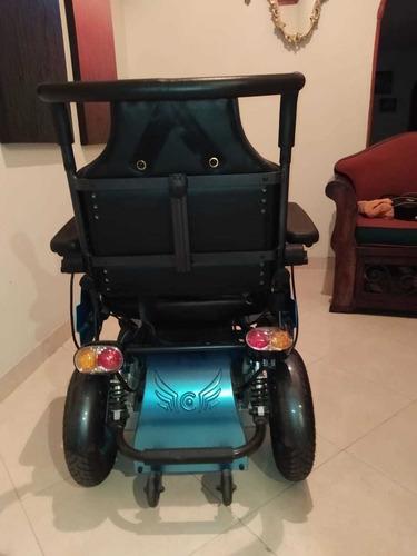 silla de ruedas eléctrica con bipedestación