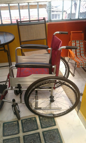 silla de ruedas en buen estado