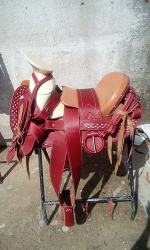 silla de.montar,montura charra cola de pato