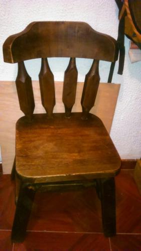 silla en madera rustica