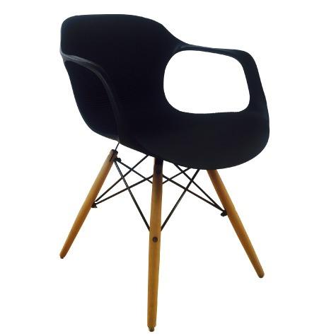 silla en plástico (pp) y patas en madera- atlanta negra