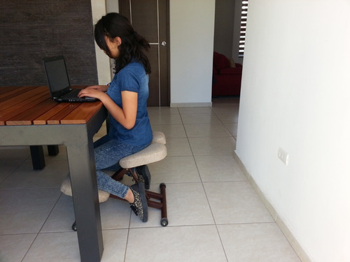 silla ergonomica de rodillas para oficina y computadora