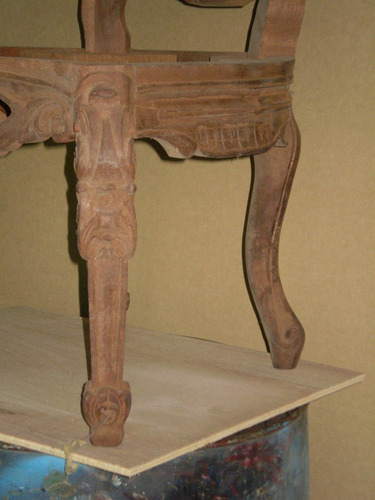 silla estilo barroco elaborada en madera  en crudo