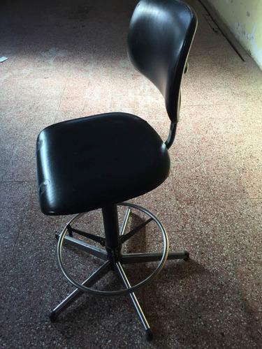 silla giratoria de acero,tapizada cuero, ideal profesional!