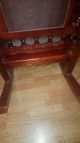 silla mecedora 100% de cedro barnizado tallada a mano