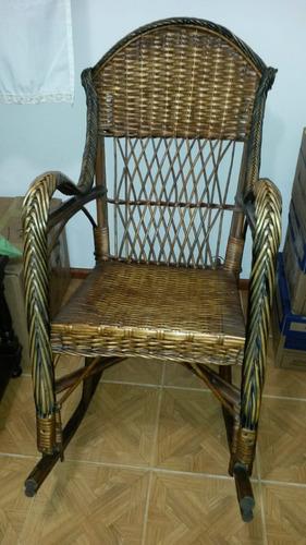 silla mecedora excelente estado!!