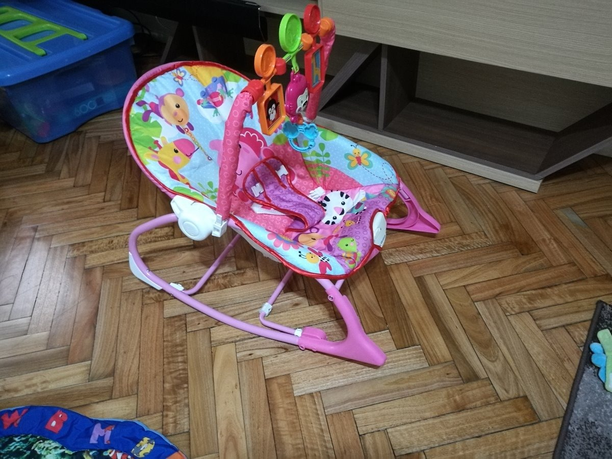 1d058edac Silla Mecedora Para Bebés - Usada - $ 2.000,00 en Mercado Libre