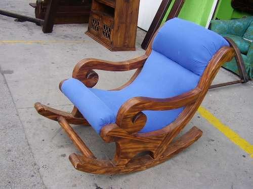 silla mesedora madera rustica & muebles de todo tipo.