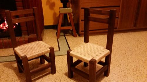 silla niño madera con asiento tejido
