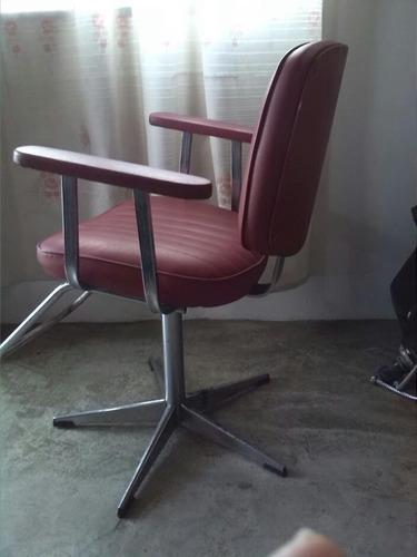 silla para peluquería o barbería altura ajustable giratoria.