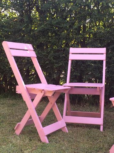 silla tijera de madera color rosa