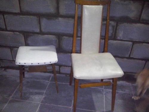 silla y banqueta estilo escandinava tapizadas  buen estado