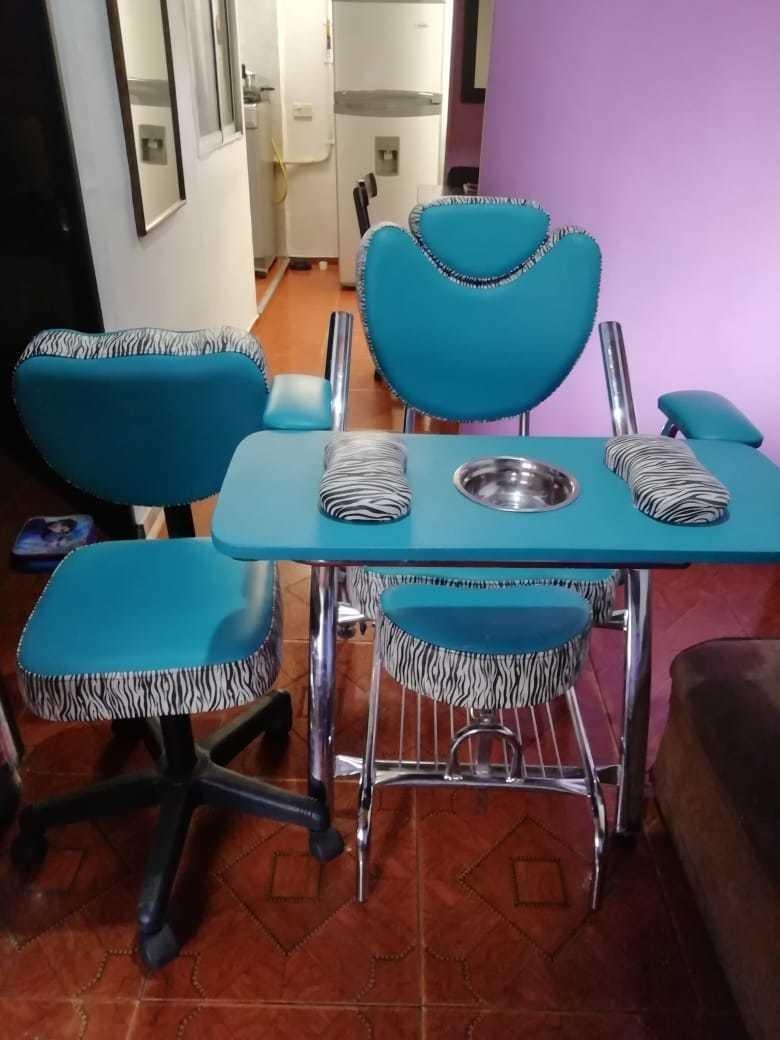 silla y esmaltero ambos por 550.000