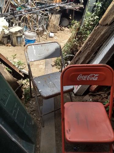 sillas de  coca cola