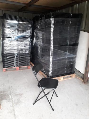 sillas negras plegables arriendo.